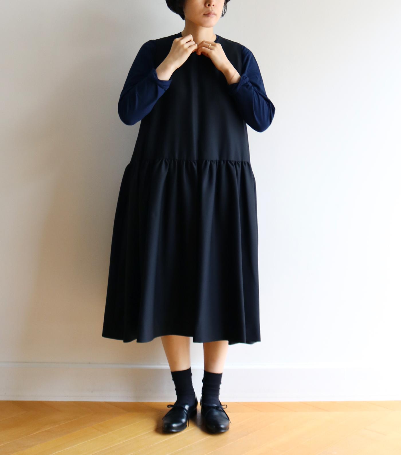 ウールノースリーブドレス